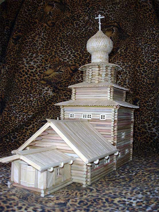 Макет Ильинской Белозерской церкви